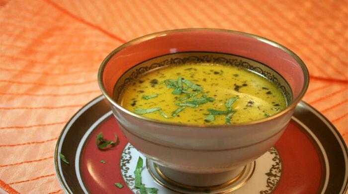 Mungdal-Fastensuppe für eine gesunde ayurvedische Ernährung. © Ayurverlag, ayur-verlag.de